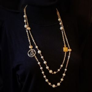 Chanel pearl and chain vintage necklace